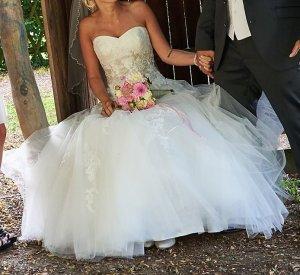 Traumhaftes Brautkleid professionell gereinigt