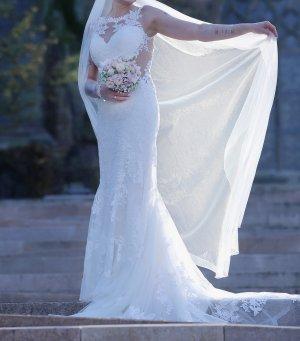 traumhaftes Brautkleid von Lilian West in der Farbe Ivory - Gr. S