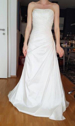 Traumhaftes Brautkleid von LILLY, nagelneu mit Etikett Gr.34