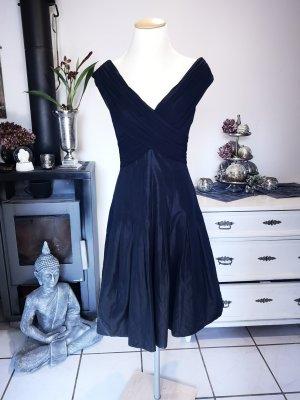 Traumhaftes Cocktailkleid von Zero Gr 36 Abendkleid das kleine Schwarze kleines edel Midikleid Midi elegant Kleid Carmen-Ausschnitt