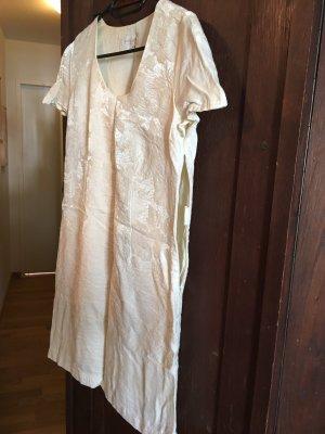 Traumhaftes Etui-Kleid