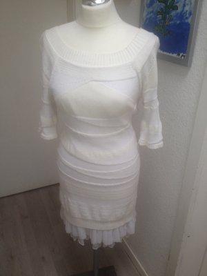 Traumhaftes GUESS Kleid für den Winter in Strick
