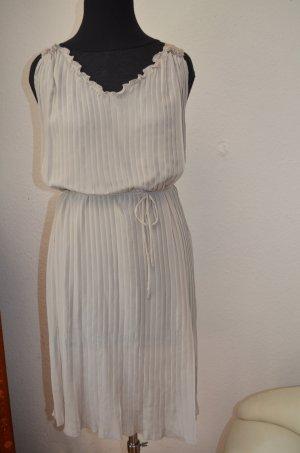Traumhaftes Kleid aus Seide Plissee von SLY 010 in Nude