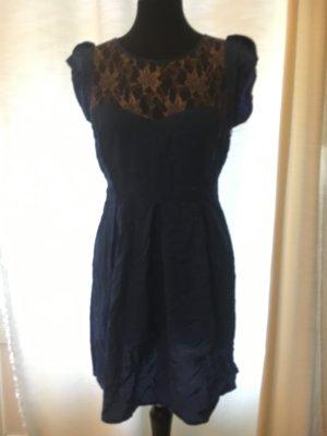 Traumhaftes Kleid mit spitze + rückenfrei