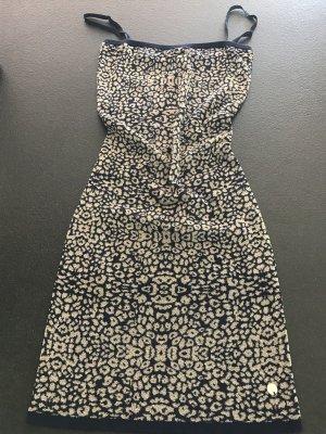 Traumhaftes Kleid von Guess mit passender Jacke
