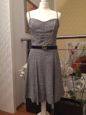Traumhaftes Kleid von NICOWA