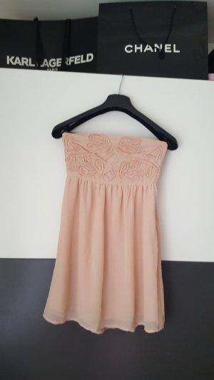 Traumhaftes pfirsichfarbenes Kleid