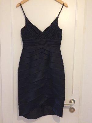 Traumhaftes schwarzes Abendkleid von Swing
