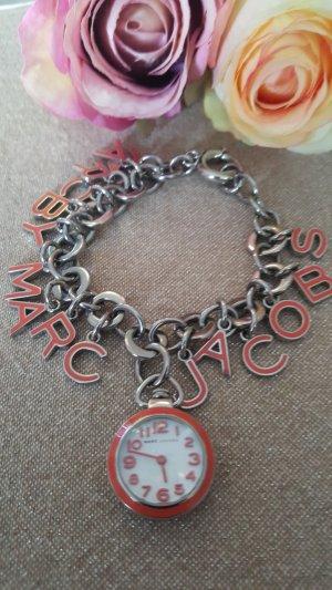 Traumhaftes Uhrenbettelarmband von Marc Jacobs