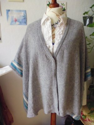 Knitted Poncho silver-colored-neon blue cashmere