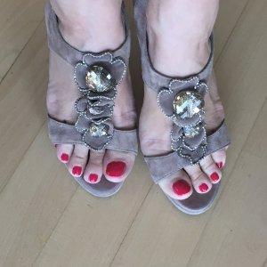 Traumschuhe: Hingucker-Sandaletten mit Blütendeko Kristalle High Heels Edel Sexy Elegant