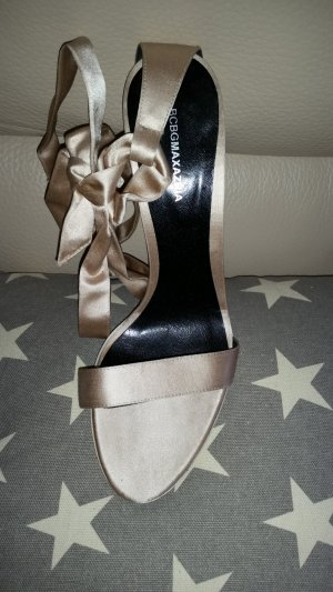 BCBG Maxazria High Heel Sandal gold-colored leather