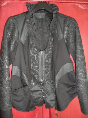 Tredy kurze Jacke, schwarz, Größe 42
