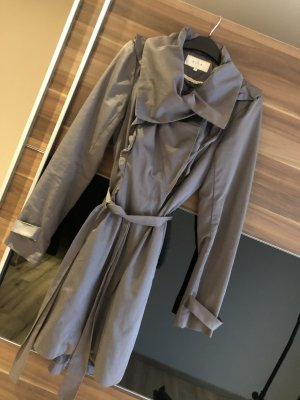 Trench coat mantel