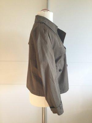 Trench Trend: leichte, kurze Jacke im Trench-Style in Olivgrün (NEU)