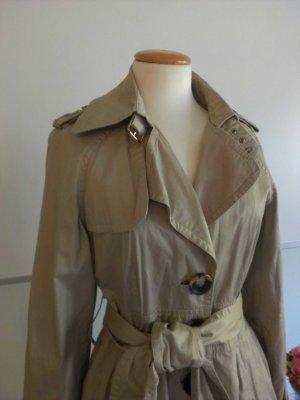 Trenchcoat, figurbetont von Zara