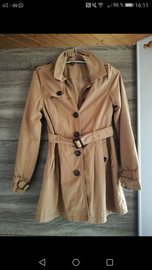 Trenchcoat in camel