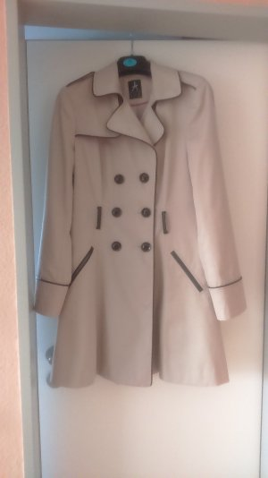 Trenchcoat in Sandbraun