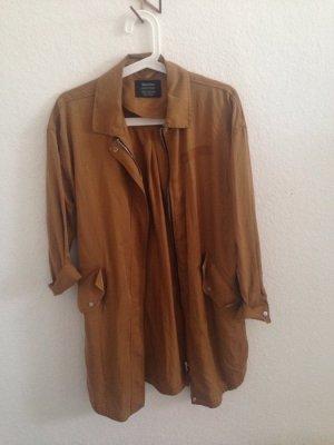 Trenchcoat Jacke ockergelb mit Kragen Bershka oversized überhemd Hemd