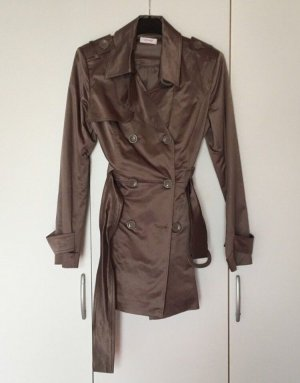 Trenchcoat Metallic Look