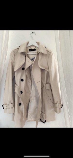 Trenchcoat  on Zara