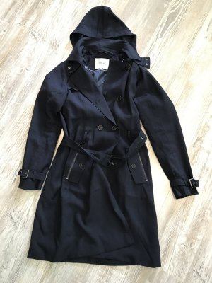 Trenchcoat Only in Navy