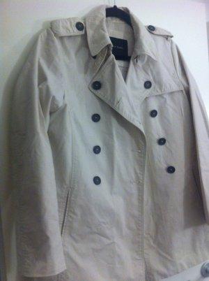 Trenchcoat Zara für den Frühling