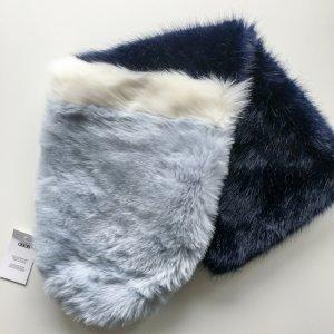 Trend: Asos Fake-Fur Stola blau