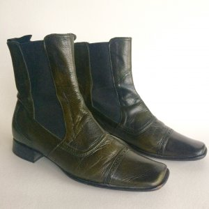 Trendfarbe flaschengrüne Chelsea Boots