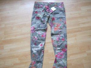 trendige Camouflage Hose mit Blumenmuster