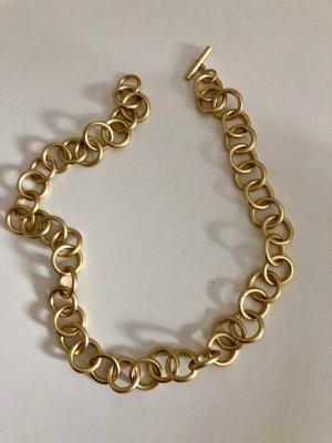 Cadena de eslabón color oro metal