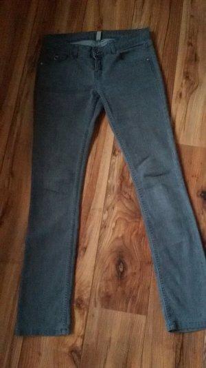 trendige graue Jeans Länge 34