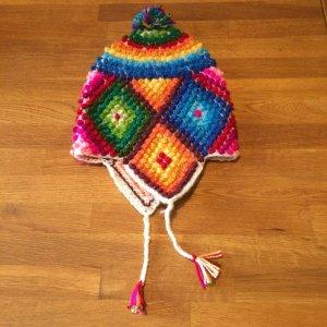 Trendige Kuschelweiche Mütze mit Ohrwärmer (Chullo)