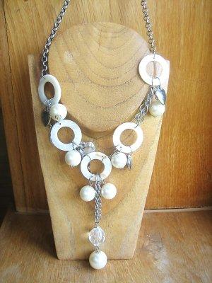 Trendige lange Halskette in ivory/silber