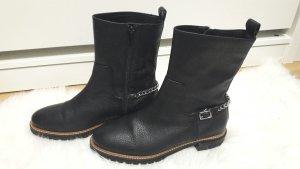 trendige Leder-Boots mit Kette