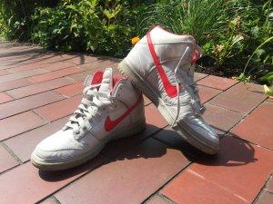 Trendige Nike Sneaker, EU42