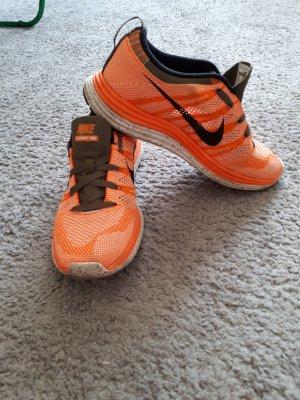 Nike Basket orange fluo-kaki