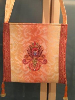 Trendige Stofftasche,Folklore-Stil mit Perlenstickerei.