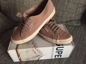 Trendige Superga in Beige Gr. 41