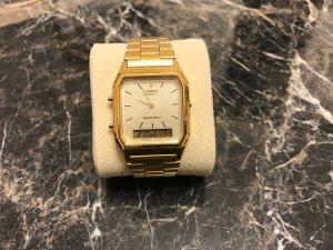trendige Uhr von Casio in gold