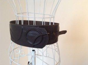 Trendiger, breiter, dunkelbrauner Ledergürtel Gr 38 / M, handgearbeitet, Taillengürtel, Boho Chic, Blogger Style
