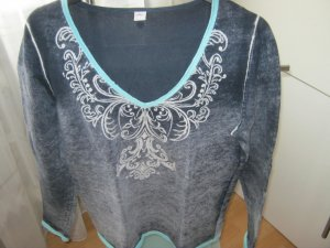 Trendiger dunkelblauer Pullover in used Optik