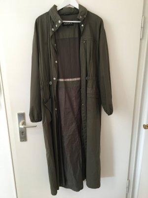 Trendiger leichter Mantel