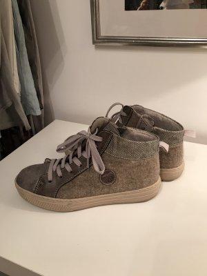 Trendiger Sneaker von Rieker