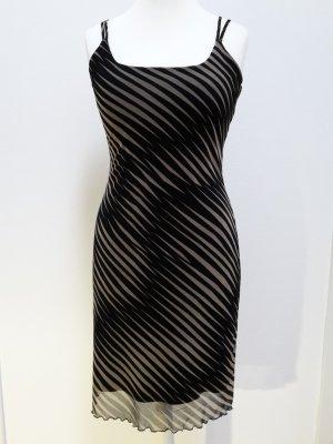 Trendstarkes Kleid von MEXX