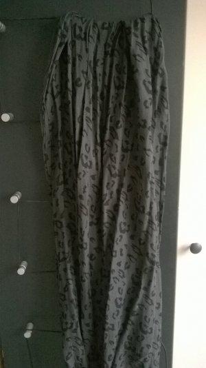 Trendtuch von H&M mit Leoparden-Muster