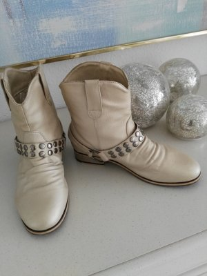Trendy Boots in 37