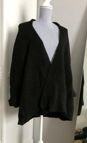 Trendy Cardigan aus Wolle schwarz von Zara
