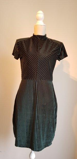 Trendy Kleid in dunkeldrün