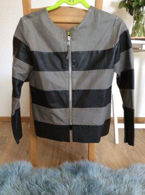 Trendy Lederjacke aus feinem Glattleder, Marke Stella Nova